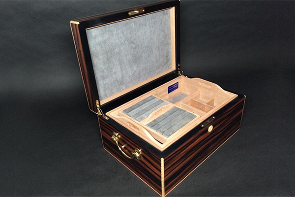 Michael Dixon Humidors Jewelry Box